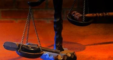 الطبيعة البشريّة: العدالة في مقابل القوّة- نقاش بين نوام تشومسكي وميشال فوكو
