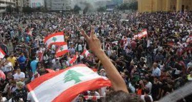 الحراك في لبنان: ثورة ملونة أم انتفاضة مطلبية